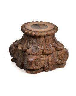 Antik dřevěný svícen z teaku, ručně vyřezávaný, 33x33x27cm