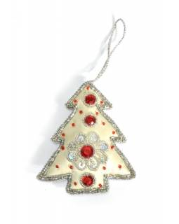 Ručně vyráběná vánoční ozdoba stromeček, bílá, zdobená, 11x9cm
