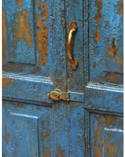 Stará skříň z teakového dřeva, 63x49x128cm