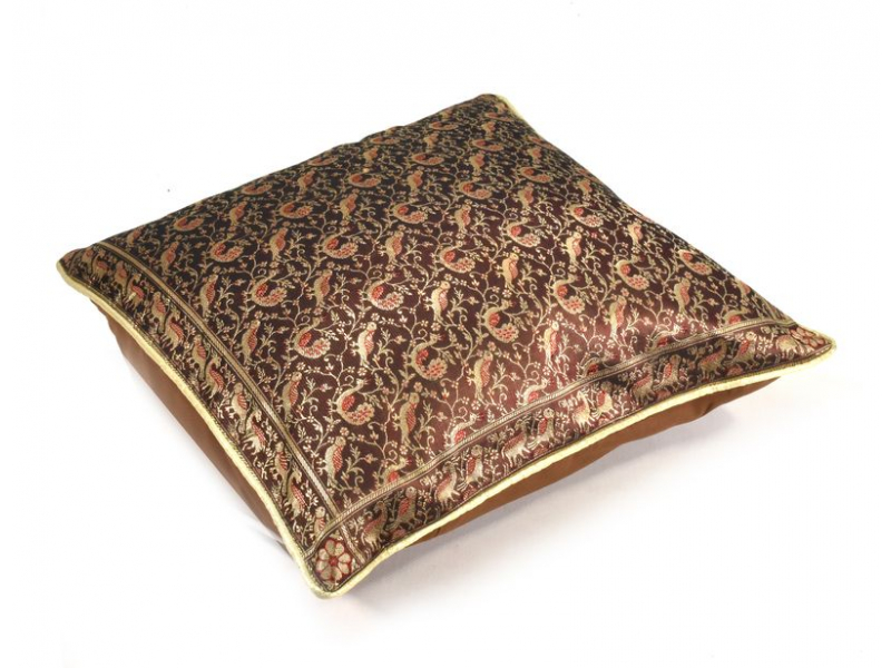 Hnědý saténový povlak na polštář s výšivkou, zip, 40x40cm