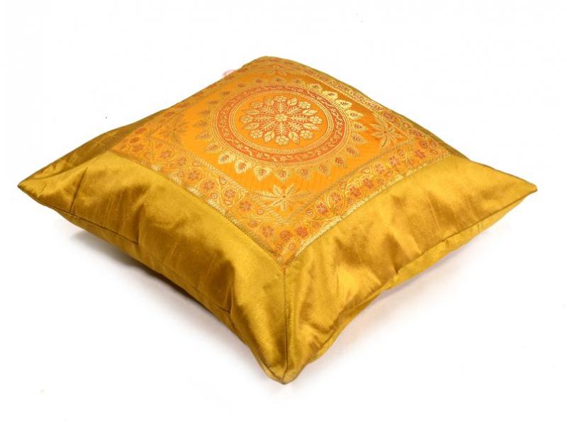 Žlutý saténový povlak na polštář s výšivkou mandala, zip, 40x40cm