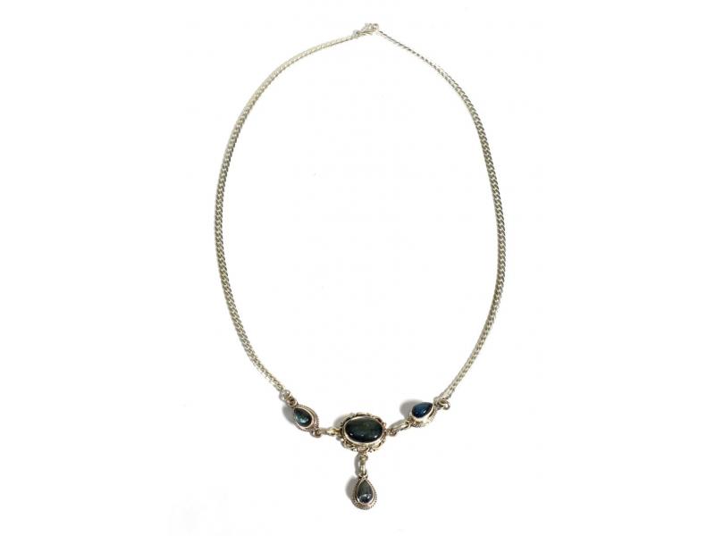 Stříbrný náhrdelník vykládaný labradoritem, karabinka, délka cca 46cm, AG 925/10