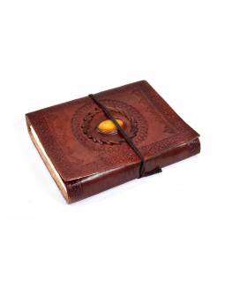 Notes v kožené vazbě s ozdobným kamenem, ruční papír, 13x18cm