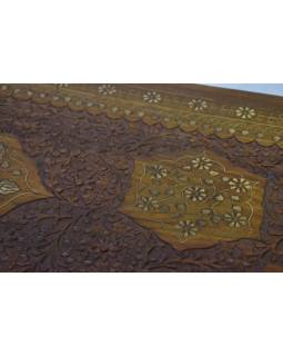 Komoda se šuplíky, vyřezávaná s mosaznou intarzí, 107x44x77cm