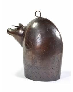 Ručně tepaný zvonec ve tvaru prasátka, měděná patina, 16x17cm