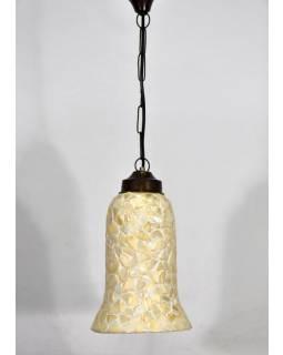 Skleněné stínidlo zdobené lasturami, ruční práce, 16x16x28cm