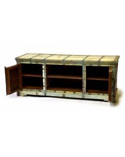 Komoda pod TV z antik teakového dřeva zdobená kováním, 148x46x60cm