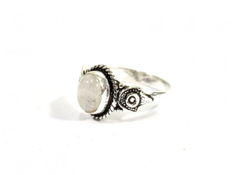 Prsten vykládaný měsíčním kamenem, postříbřený (10µm)