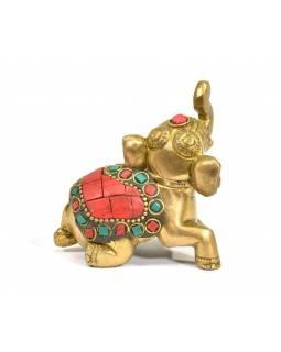 Mosazná soška slona vykládná polodrahokamy, 7x4x6cm