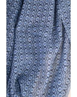 Modrý šátek s jemným vzorem, 175x115cm