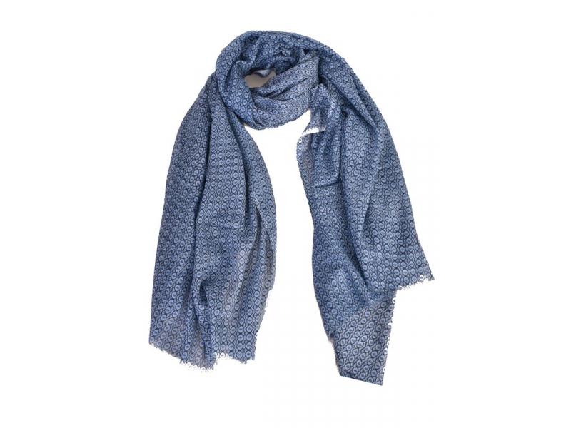 Modrý šátek s z jemným vzorem, 175x115cm