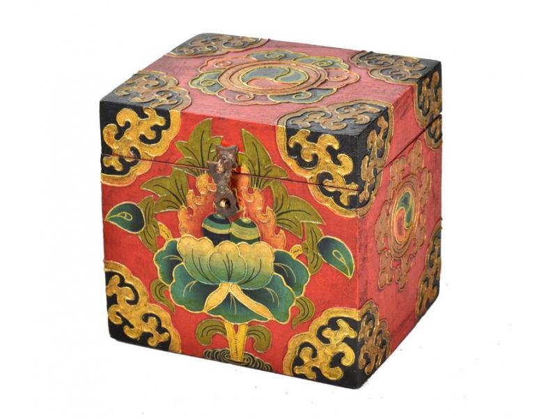 Dřevěná truhlička, tibetský design-lotos, 15x12x15cm