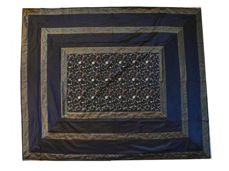 Vyšívaný přehoz se čtyřmi polštářky, černý, 220x270cm
