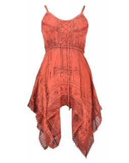 Krátké červené šaty na ramínka, výšivka a ruční háčkování