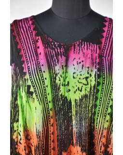 Dlouhé barevné šaty bez rukávu, potisk