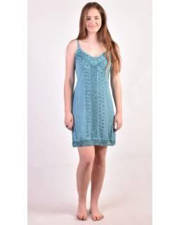 Lehké krátké tyrkysové šaty na ramínka, výšivka, vázání na zádech