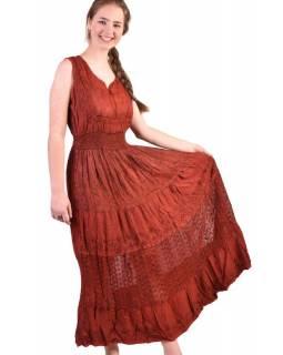 Dlouhé červené šaty bez rukávu, výšivka, pásek