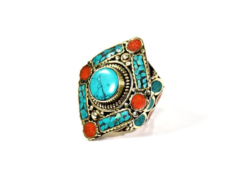 Masivní prsten vykládaný pohodrahokamy, tibetský design, ruční práce vel.61-62