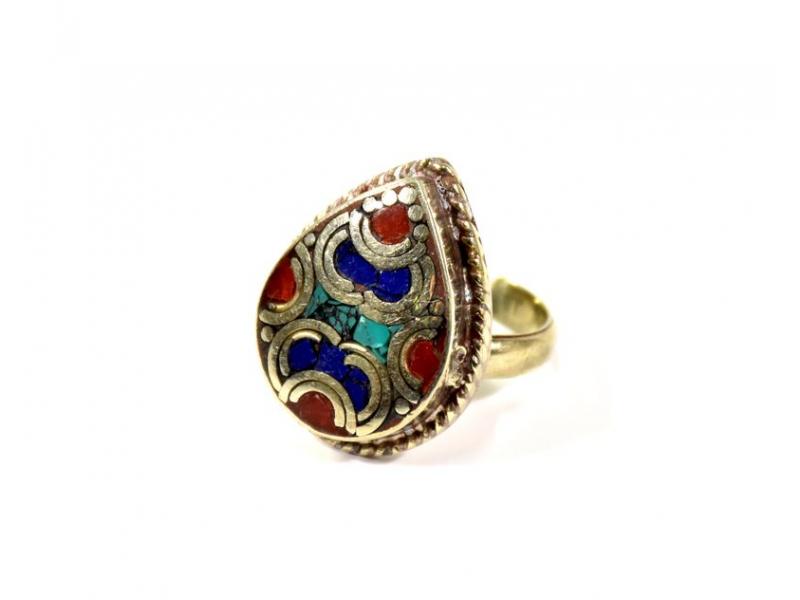 Velký prsten vykládaný pohodrahokamy, tibetský design, ruční práce