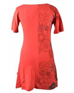 Červené šaty s krátkým rukávem, květinový barevný potisk