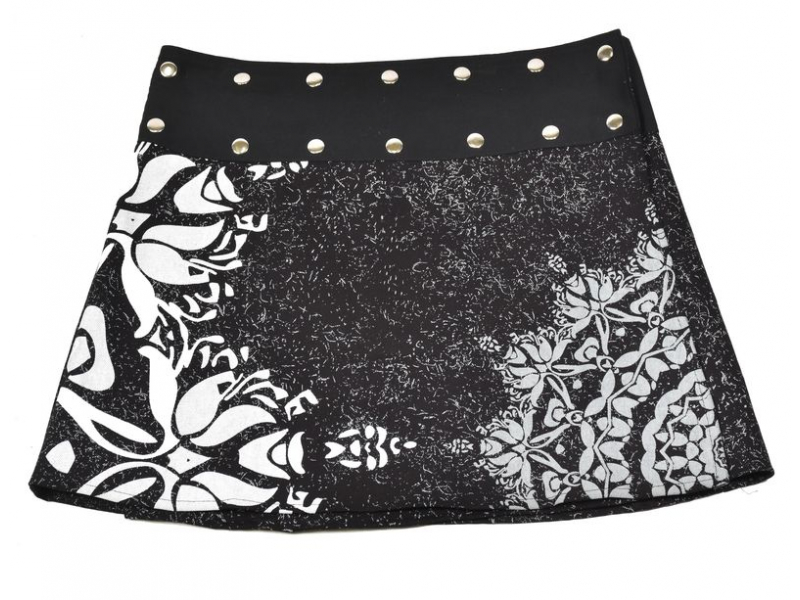 Krátká černo-šedá sukně zapínaná na patentky, mandala potisk