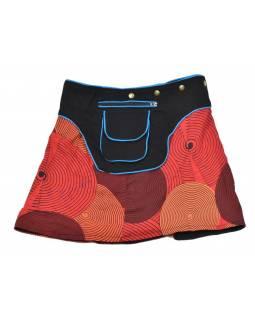 Krátká červená sukně zapínaná na patentky, kapsa, spiral print
