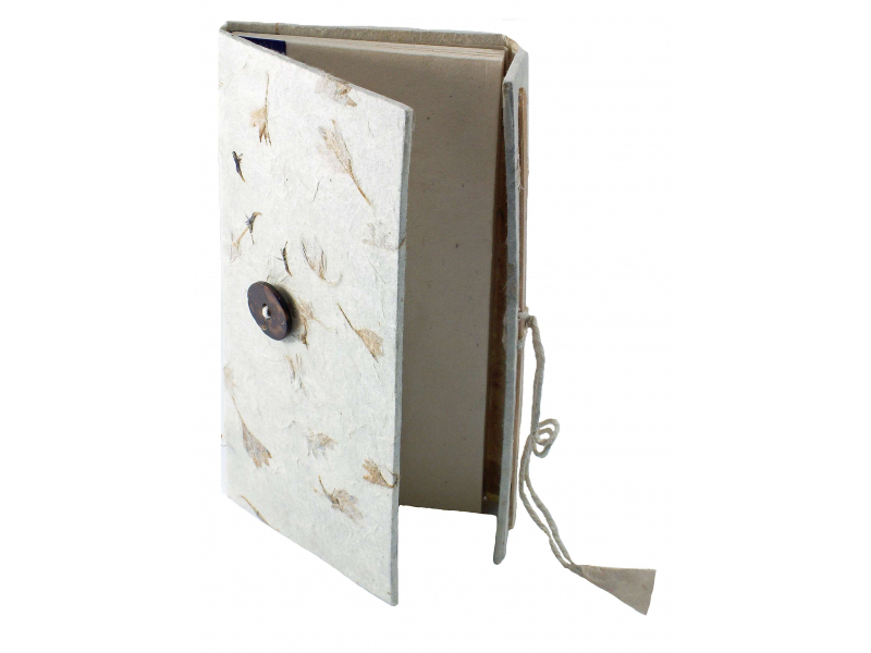 Notes z ručně dělaného papíru, zavírání na knoflík, 8,5x16cm