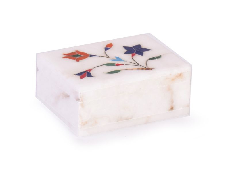 Ozdobná kamenná krabička zdobená polodrahokamy, 10x8x4cm