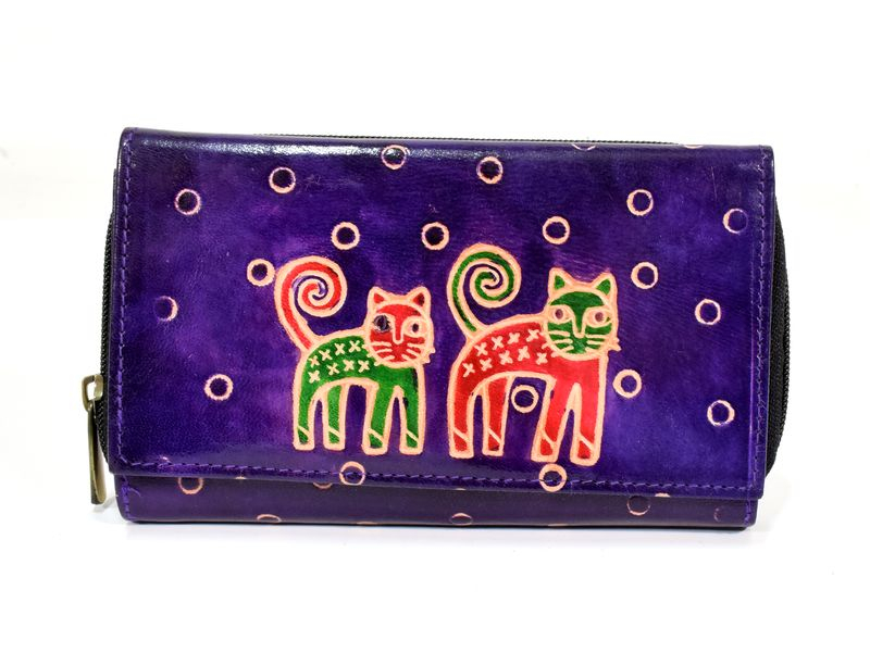 Peněženka zapínaná na zip, fialová, kočky, malovaná kůže, 17x11cm