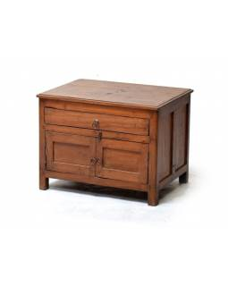 Starý stolek s dvířky používaný jako oltář z teakového dřeva, 62x46x46cm