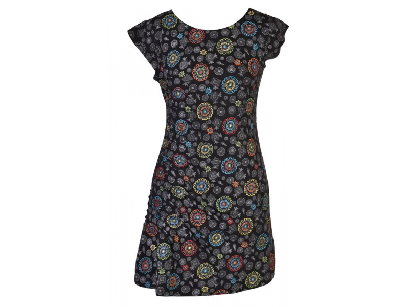 Černé šaty s krátkým rukávem a celopotiskem mandal, sklady na boku, výšivka