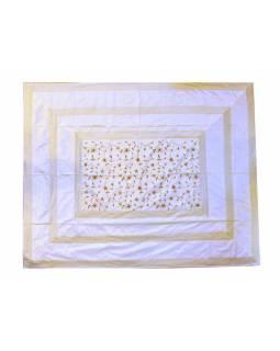 Vyšívaný přehoz se čtyřmi polštářky, bílý, 220x270cm