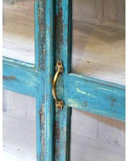 Stará prosklená skříň z teakového dřeva zdobená dlažicemi, 90x45x150cm