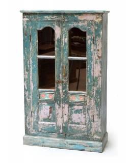 Stará prosklená skříň z teakového dřeva zdobená dlažicemi, 80x35x130cm