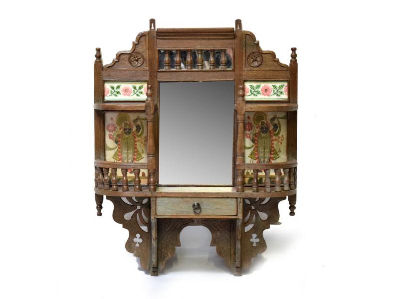 Staré zrcadlo s poličkami, zdobené tradiční kresbou a dlaždicemi, 67x17x83cm
