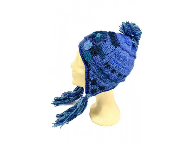 Čepice, uši, vlna, aplikace květiny, vzor zik zak, střapce, modrá