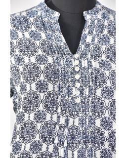 Lehká letní halena s knoflíčky, potisk, sklady na prsou, bílo-modrá