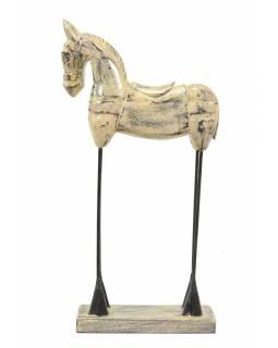 Soška koně, dřevěná, kovové nohy, bílá patina, 23x9x46cm
