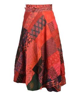 Delší zavinovací sukně s potiskem, patchwork design, červená, vázačka