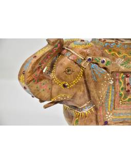 Slon, dřevěný, ručně malovaný, 23x20cm