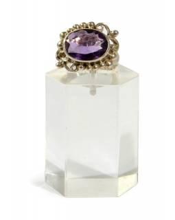 Stříbrný prsten se zdobením vykládaný velkým ametystem, AG 925/1000
