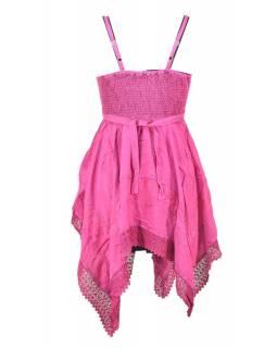 Krátké růžové šaty na ramínka, výšivka a ruční háčkování