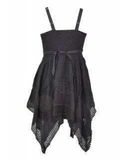 Krátké černé šaty na ramínka, výšivka a ruční háčkování