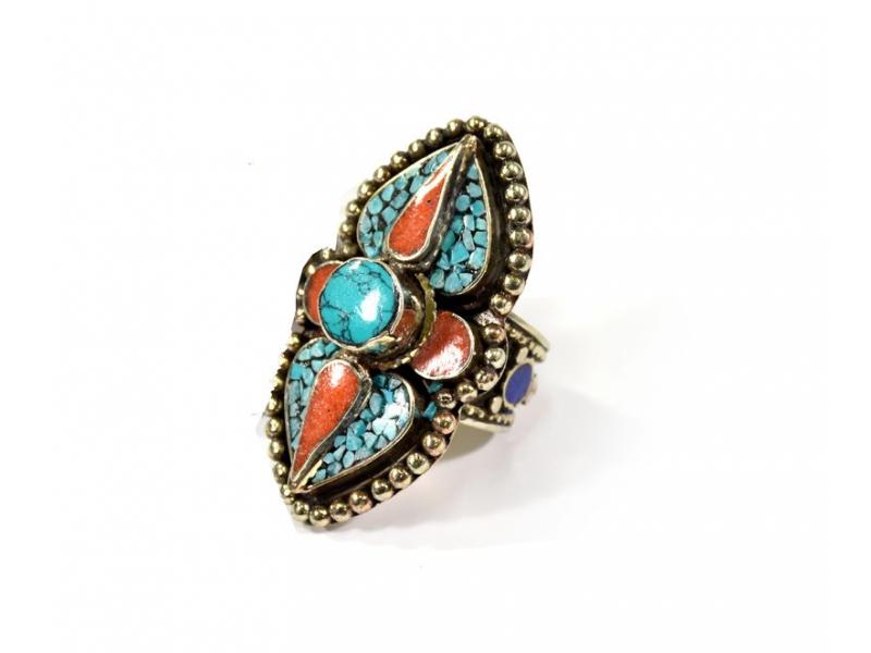 Masivní prsten vykládaný pohodrahokamy, tibetský design, ruční práce vel.65