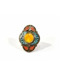 Masivní prsten vykládaný pohodrahokamy, tibetský design, ruční práce vel.62-63