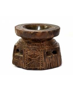 Antik svícen s originální řezbou, týk, 12x12x10cm