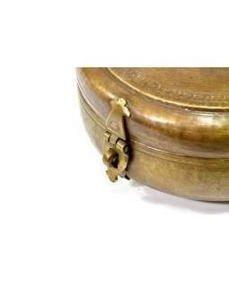 Stará kovová nádoba s víkem, ručně tepaná, 30x30x17cm