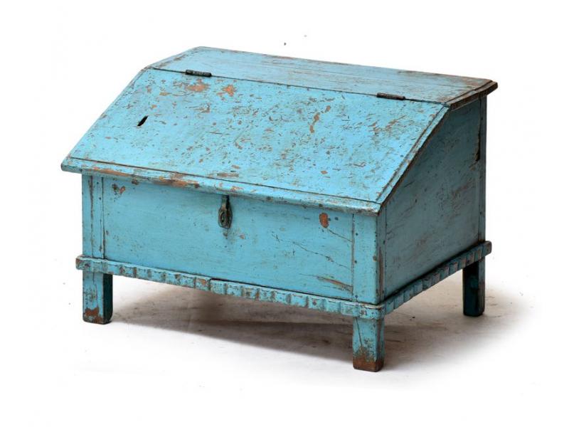 Starý kupecký stolek z teakového dřeva, tyrkysová patina, 64x49x45cm