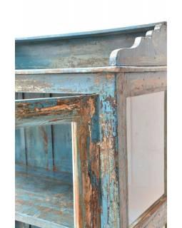 Prosklená skříňka z teakového dřeva, tyrkysová patina, 87x45x155cm