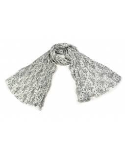 Bílý šátek s květinovým potiskem, mačkaná úprava, černý potisk, 110x170cm